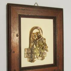 TABLOU-INDRAGOSTITI LA BALCON-metal(bronz), vintage - Arta din Metal