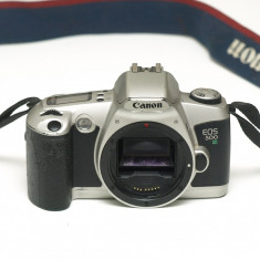 Canon EOS 500 n - Aparat Foto cu Film Canon