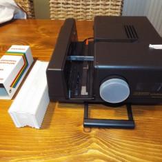 Aparat diapozitive REVUE 600 AFS cu telecomanda