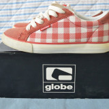 Adidasi Globe