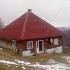 Casa, zona de munte, loc linistit teren 3 hectare pentru o familie cu animale, - Turism munte Romania