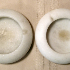 2 Scrumiere albe rotunde din marmura granit piatra