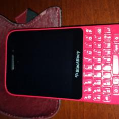 BlackBerry Q5 - Telefon mobil Blackberry Q5, Rosu, Neblocat