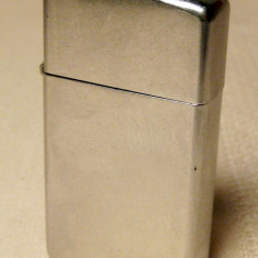 Bricheta de dama Zippo slim argintie originala pe benzina - Bricheta Zippo, Tip: De buzunar