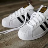 Adidasi Adidas SuperStar - Adidasi dama, Culoare: Alb, Auriu, Negru, Rosu, Marime: 36, 37, 38, 39, 40, 41, 42, 43, 44, Piele sintetica
