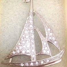 Brosa /Martisor AUR 18K si cristale SWAROVSKI- 098 + CUTIE CADOU - Brosa placate cu aur