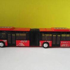 Masinuta fier macheta Autobuz SIKU 3736 MAN rosu, articulat, scara 1:50