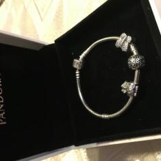 NOUA !!! Bratara Pandora moments clema argint 925 nepurtata noua cu 3 charmuri - Bratara argint