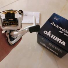 Mulineta Okuma Avenger AV25B Ideala Spinning sau Bologneza Foarte Usoara O.AV25B