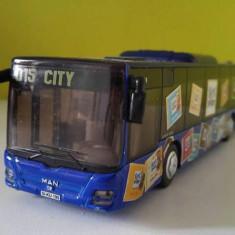 Masinuta fier macheta Autobuz SIKU 3734/3735 MAN albastru, scara 1:50 - Vehicul