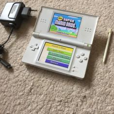 Nintendo DS LITE MODAT R4 cu jocuri instalate Super Mario si 5 versiuni Pokemon - Consola Nintendo