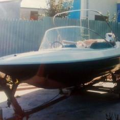 Barca fibra + motor Honda 40 cp - Barca cu motor