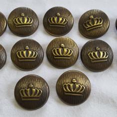 Nasturi metalici COROANA REGALA in set 12 bucati cu diametrul 24 mm VINTAGE