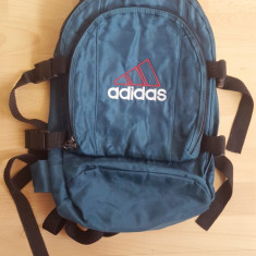 Geanta / rucsacel Adidas; 38 x 26 x 16 cm; stare excelenta - Geanta Barbati, Marime: Medie, Culoare: Din imagine