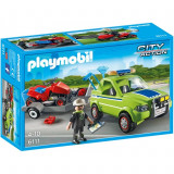 Om cu masina de tuns iarba Playmobil