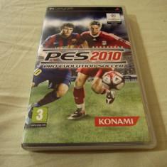 Pro Evolution Soccer 2010, PES, PSP, original, alte sute de jocuri! - Jocuri PSP Altele, Sporturi, 3+, Single player