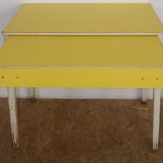 Masa din lemn masiv cu blat retractabil; Masa solida