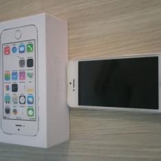 iPhone 5S Apple 16GB, Argintiu, Neblocat