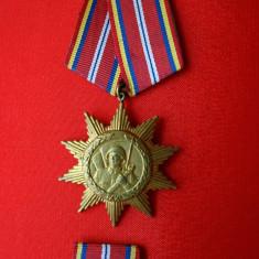 Lot 2 medalii militare jubiliare 25 Octombrie 1964, 1974, Ziua Armatei decoratie