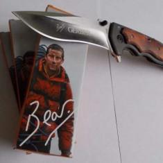 Briceag Gerber cu maner cu insertii de lemn - Briceag/Cutit vanatoare