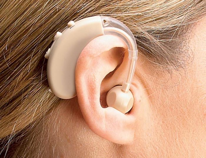 Aparat auditiv proteza ureche NOU + baterie si penar plastic