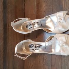 Pantofi mireasa Benvenutti - Pantof dama Benvenuti, Culoare: Ivoire, Marime: 37