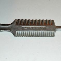 Instrument special pentru bucatarie ornat creme, unt Garnierboy