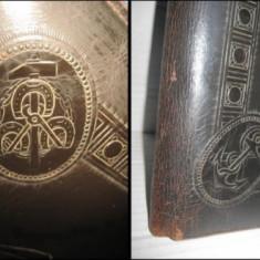 Mapa mare antica de firma cu zeul MERCUR din piele groasa. Perioada 1900. - Broderie