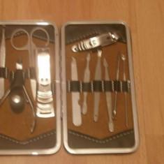 Trusa manichiura pedichiura cu 11 piese