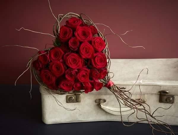 Buchet de flori de lux pentru Dragobete | arhiva Okazii ro