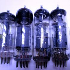 Un lot de 4 lampi radio vechi; sunt functionale