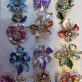 Martisoare - brose - flori colorate cu insertie de cristale - Martisor speciale