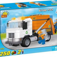 Jucarie Lego Cobi Action Town Garbage Truck 250 Pcs