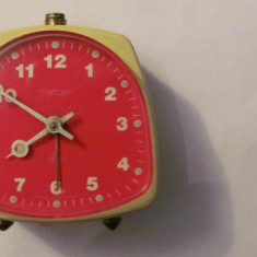 PVM - Ceas de masa mai vechi PETER nefunctional Germania