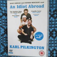 AN IDIOT ABROAD - KARL PILKINGTON (2 DVD-uri ORIGINALE, CA NOI!!!), Engleza