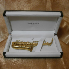 Cadou, colectie, mini saxofon bronz alama, Balmain-Paris, vintage