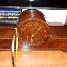 Ceas de semineu cu pendul Mauthe