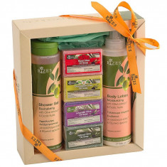 Set lotiune corp fructe exotice 250 ml, gel de dus revitalizant 250 ml, 4 sapunuri Rizes