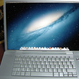 Macbook Pro 17 inch - Laptop Macbook Pro Apple, 17 inches, Intel Core 2 Duo, 2 GB, 120 GB