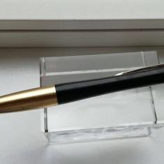 Pix Parker URBAN model deosebit mina de culoare neagra corp din inox