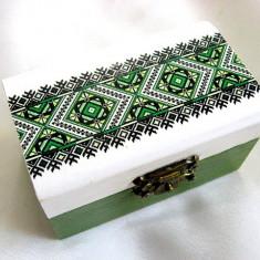 Cutie lemn cu motiv traditional 28223