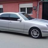 Mercedes E220 CDI, An Fabricatie: 2000, Motorina/Diesel, 300000 km, 2198 cmc, Clasa E