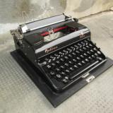 Masina de scris veche Optima Elite, perfect functionala, carcasa originala