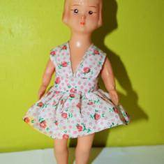 Papusa / papusica Aradeanca, anii 70-80, 14 cm, cauciuc, haina originala - Papusa de colectie