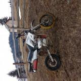 moto cross 200cc 5 trepte...trage de rupe dau la proba oriunde...