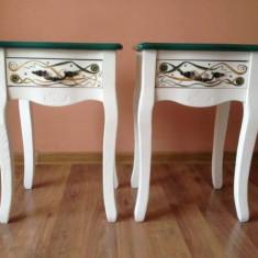 Set de doua noptiere elegante, din lemn masiv, pictate manual, in stil neoclasic - Noptiera