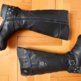 Cizme piele The Dockers Company Footwear; marime 39 (25.6 cm talpic); ca noi - Cizma dama, Culoare: Din imagine, Marime: 40