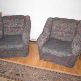 Canapea extensibila 3 locuri impreuna cu 2 fotolii in stare buna! Discutabil