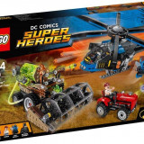 LEGO® Super Heroes Batman™: Recolta de spaima Scarecrow 76054
