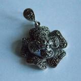 Pandant de argint floare cu marcasite -372 - Pandantiv argint